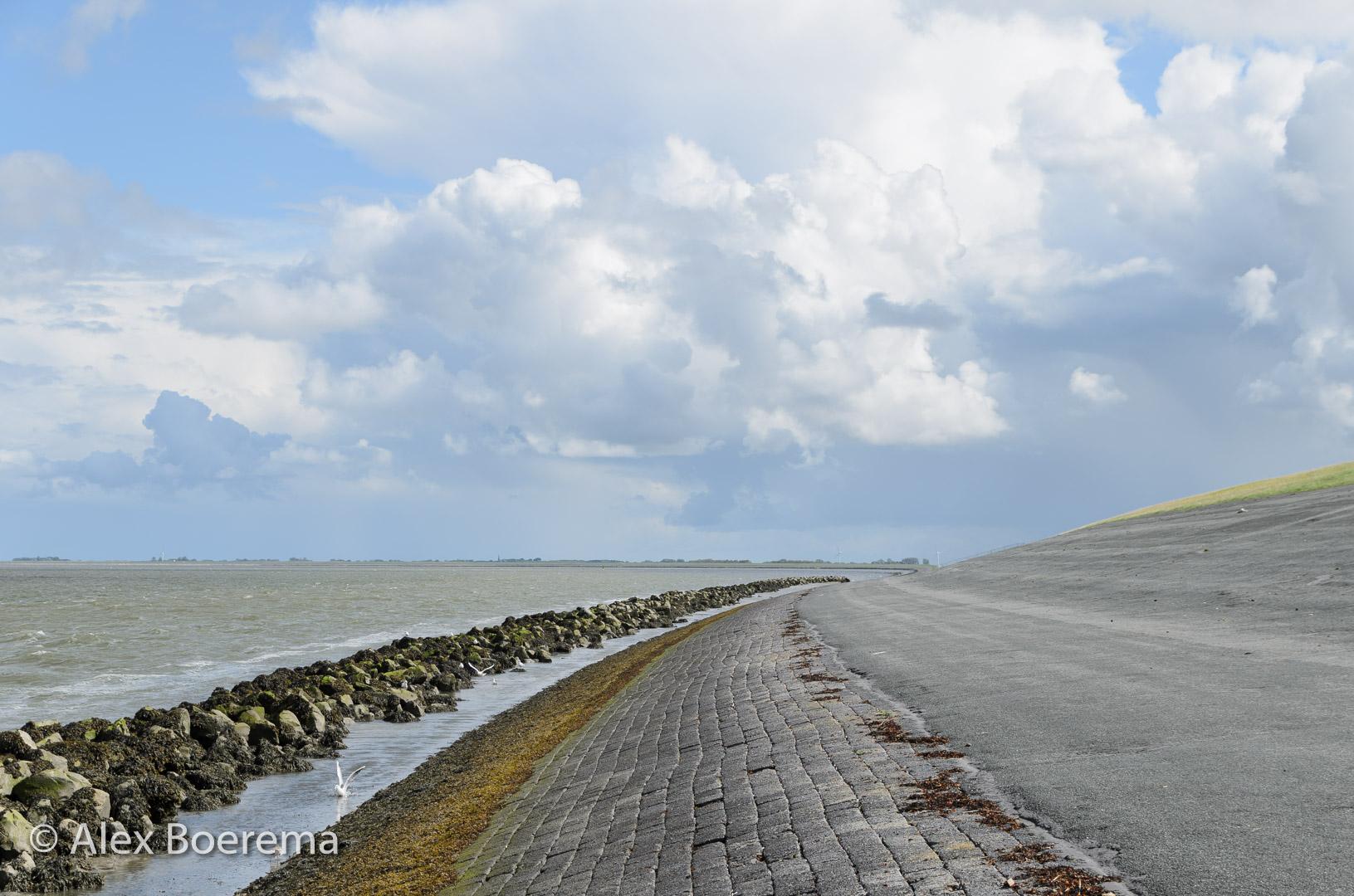 afsluitdijk richting Kloosterburen augustus 2018