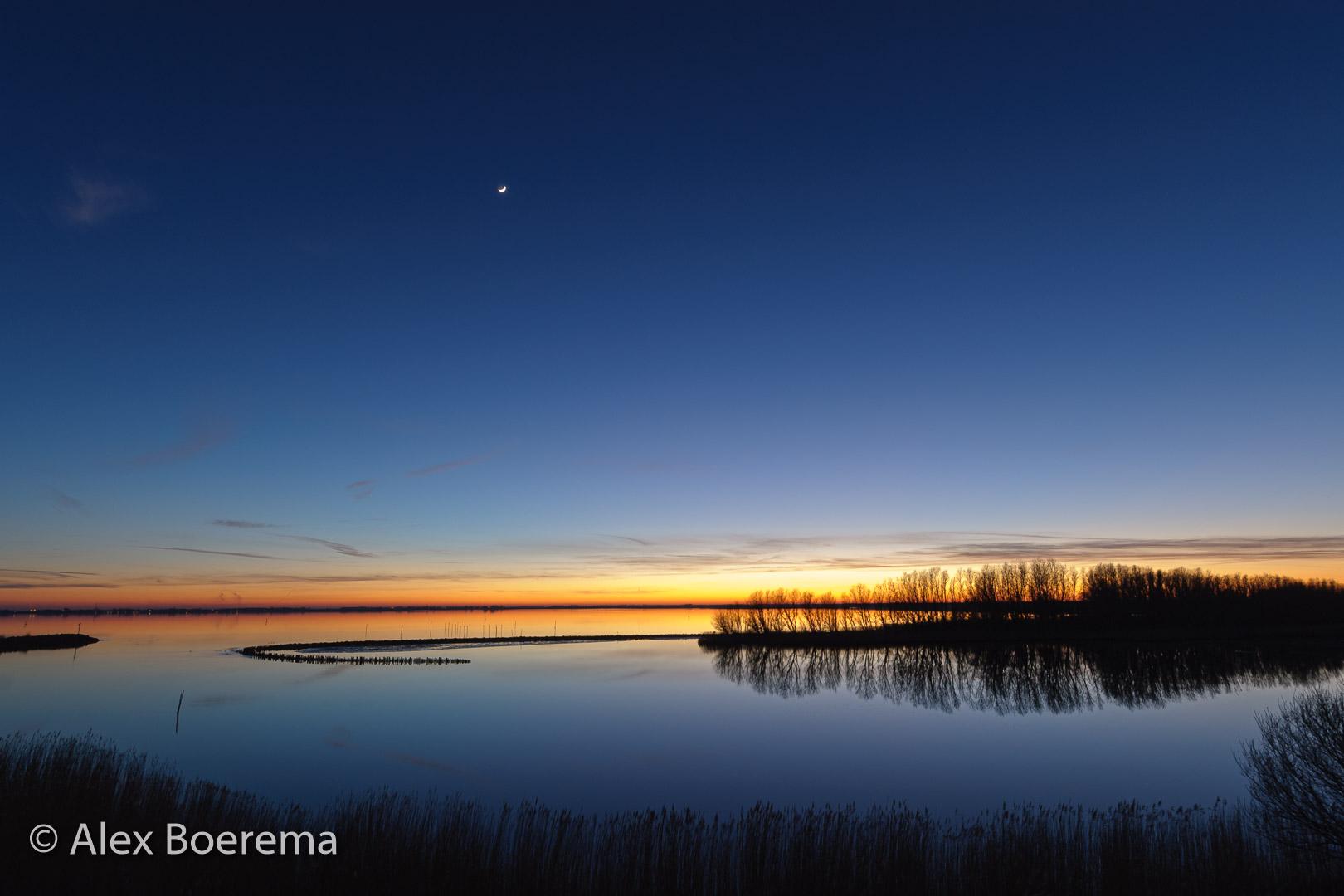Lauwersmeer vanaf de H.M. Gerbrandywei. februari 2008